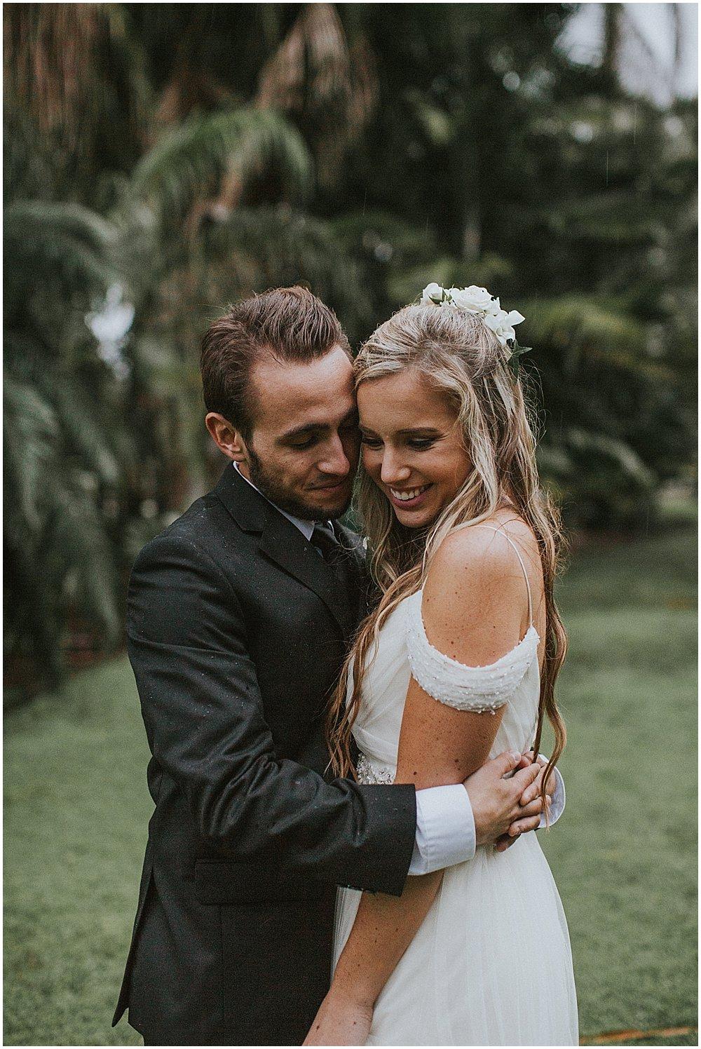 bride-and-groom-love-florida