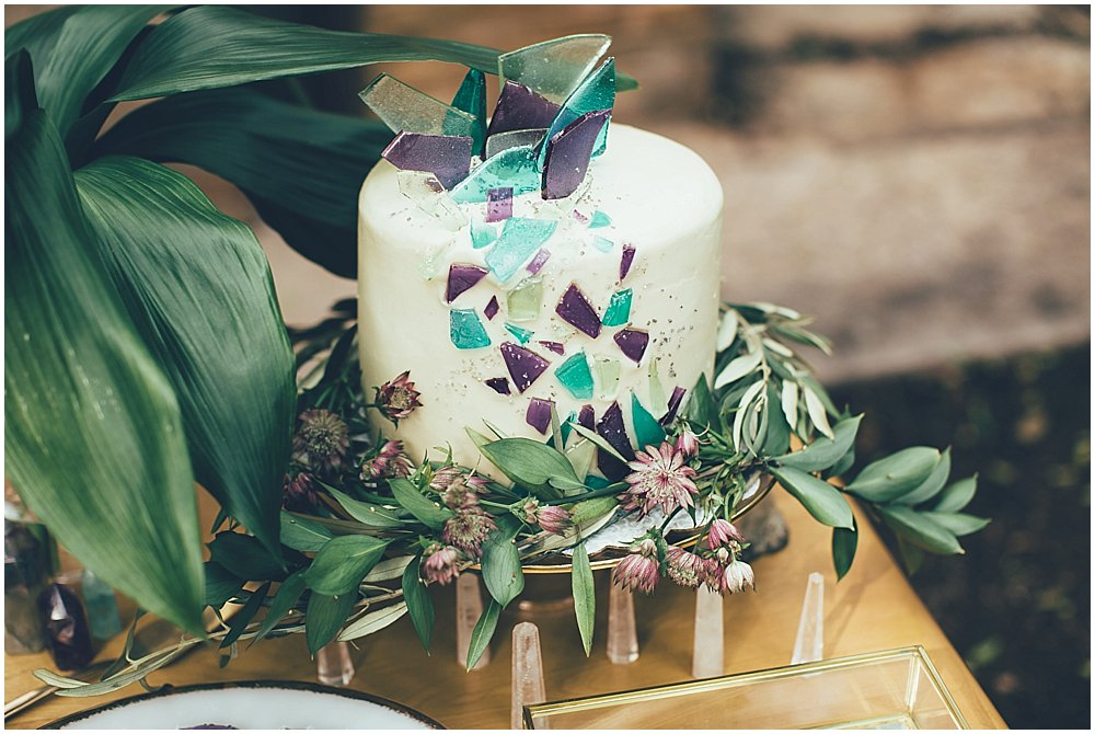 crystal-inspired-wedding-cake