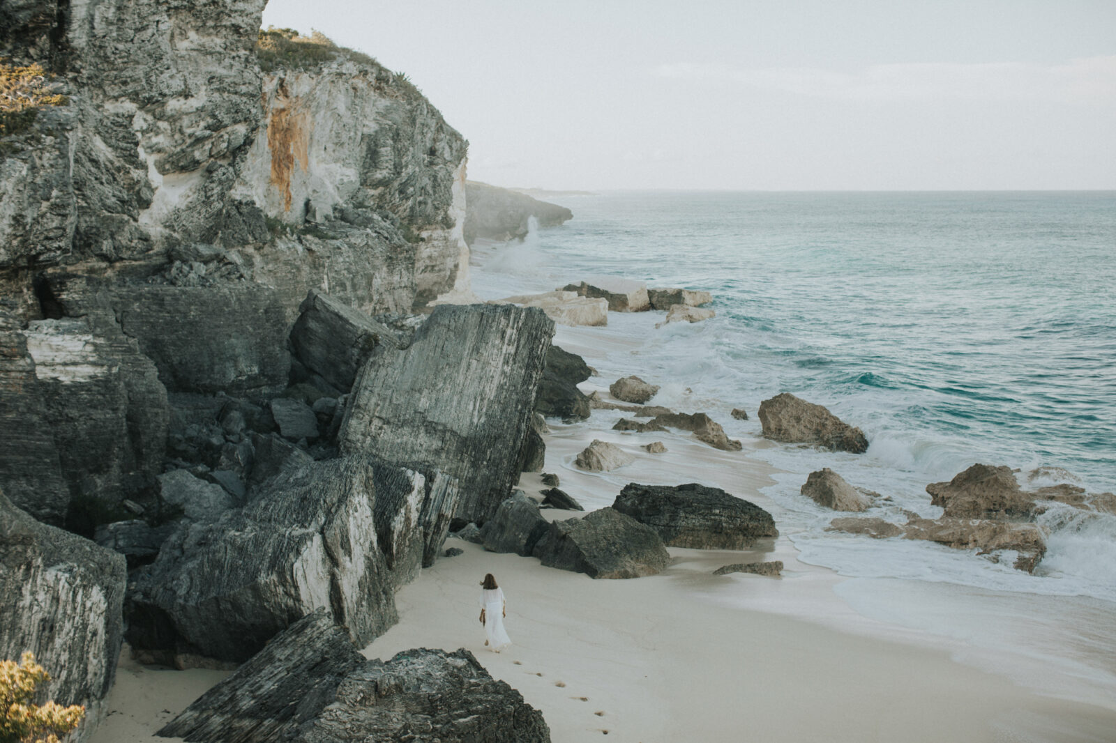 surfers beach eleuthera bahamas