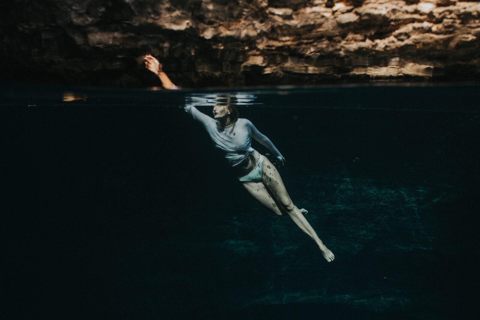 blue hole eleuthera bahamas