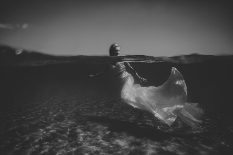 underwater bridal portraits