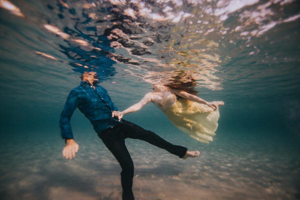 florida underwater engagement photographer