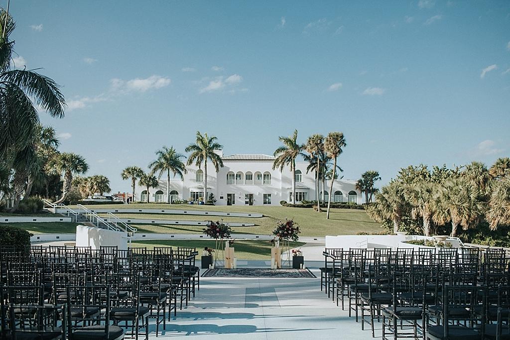 modern bohemian mansion wedding